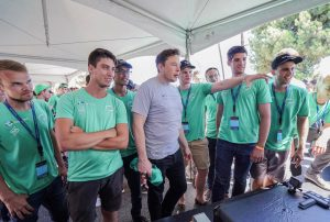 Here the boss is still doing the test himself: during an earlier test run Elon Musk calls in on the TU Delft Hyperloop team/ Source: TU Delft Hyperloop team