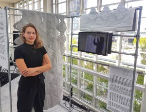 Prize winning examination thesis: textile and surface designer Rebecca Schedler had no trouble obtaining her bachelor's degree with her excellent partition wall.